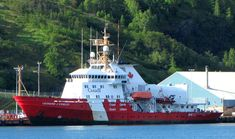 CCGS Leonard J Cowley, Offshore Patrol Vessel - Canadian Coast Guard - Wikipedia Coast Gaurd, Coast Guard Ships, Canadian Coast Guard, Offshore Boats, Military Ranks, Police Patrol, Icebreakers, Search And Rescue, Navy Ships