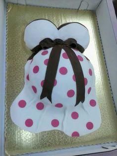 adorible baby bump cake