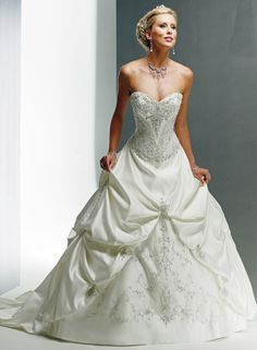 Large View of the Monalisa Royale Bridal Gown. I just fell in love with a dress - this is why Pinterest is the devil!!!