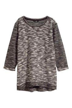 H&M A/I 2015 Maglia in tessuto felpato. Modello girocollo, maniche a tre quarti con risvolto cucito. Fascia di maglina in basso.