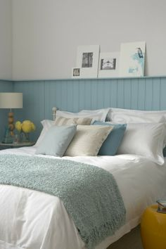 LOVE this for a bedroom in new house. Perfect for a beach bedroom. Ocean Bedroom, Home Bedroom, Master Bedroom, Bedroom Decor, Shabby Bedroom, Pretty Bedroom, Shabby Cottage, Coastal Cottage, Cottage Homes