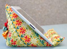 iPad stand tutorial | Sewn Up by TeresaDownUnder