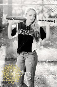 Gallery and portfolio images for senior portrait brand Lisa Williams Photography, based in Northern California Softball Team Pictures, Cute Senior Pictures, Country Senior Pictures, Senior Photos, Baseball Pics, Cheer Pictures, Teen Girl Poses, Senior Girl Poses, Senior Girls