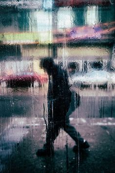 Love this street photography! In the style of Saul Leiter. Urban photography, rain photography window.