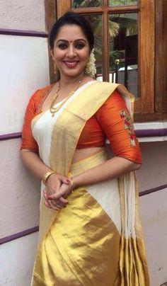 Sreeya Ramesh Whatsapp Photo Fake News Malayalam Actress 10 Most Beautiful Women, Most Beautiful Indian Actress, Beauty Full Girl, Beauty Women, Iranian Women Fashion, Saree Photoshoot, Thing 1, Indian Beauty Saree, Beautiful Saree