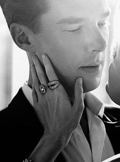 """I normally don't condone handsome man photo's, but Benedict is a weakness of mine """"I am going to kiss you"""" face #benedictcumberbatch"""