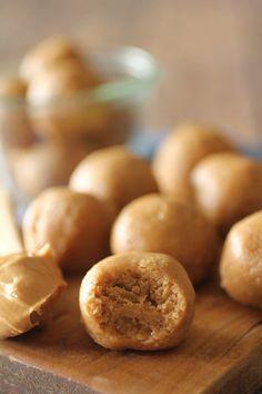 Dashing Dish: No Bake Peanut Butter Cookie Dough Protein Balls Peanut Butter Balls, Peanut Butter Protein, Peanut Butter Recipes, Peanut Butter Cookies, Powdered Peanut Butter, Peanut Flour, Pb2 Recipes, Protein Powder Recipes, Bariatric Recipes