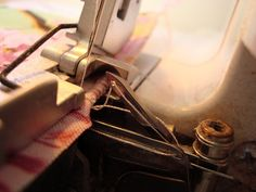 TUTORIAL - How to do a rolled hem on a serger