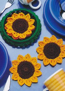 CUTE Basket of Sunflowers Coasters/Decor/Crochet Pattern Instructions Crochet Potholders, Crochet Motifs, Crochet Flower Patterns, Crochet Doilies, Crochet Flowers, Sewing Patterns, Crochet Kitchen, Crochet Home, Crochet Gifts