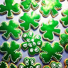 StPatricks Day Shamrock Cookies #TheCookieCutterCompany
