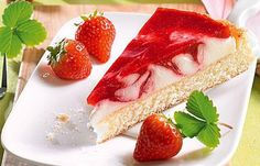 cake with strawberries and lemon