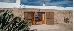 Agrotourism in Mallorca - Fishermen cottages Majorca, Cottages, Shed, Environment, Wanderlust, Houses, Outdoor Structures, Rustic, Traditional