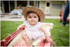 BABY!!!!!!!! this looks just like my cousin Laney!!!
