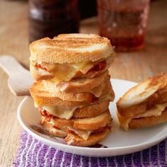 Mini-tosti's met tomatentapenade - Deze mini-tosti's zijn makkelijk te maken en heerlijk voor bij het gourmetten. #recept #gourmet #JumboSupermarkten