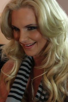Phoenix Marie - Kinky #hotXXXmovie Follow @PMarizzle on Twitter!