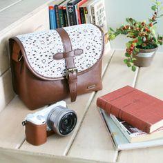 Details here: http://www.designstraps.de/listing/?p=1&s=8  Kameratasche Cappuccino von Ciesta