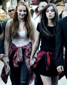 sophie turner and hailee steinfeld (flannel)