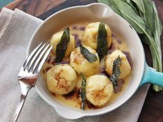 The Food Lab: The Easiest Way to Make April Bloomfield's Ricotta Gnudi at Home