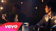 Enrique Iglesias - Loco ft. Romeo Santos Si me dejas por dentro ese dolor no te perdonaré....si me vuelves loco