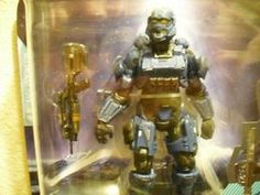 Halo 4 Series 1 - Blue Spartan Soldier with Battle Rifle Action Figure McFarl...