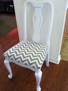 A Chair Affair – thrift store dining chair makeovers