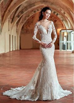 Attractive Tulle & Satin Scoop Neckline Sheath Wedding Dresses With Lace Appliques