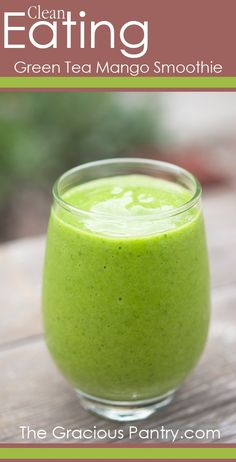GREEN TEA MANGO GREEN SMOOTHIE:  green tea, mango, spinach, banana, pineapple | #summer