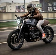 """dropmoto: """"Love how beefy the BMW is. Cafe Racer Style, Cafe Racer Girl, Bmw Cafe Racer, Cafe Racer Motorcycle, Cafe Racers, Motorcycle Helmets, Bmw Motorcycles, Custom Motorcycles, Bike Bmw"""