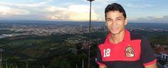 Pelada com garçons, carona de fã: as histórias do agora quarentão Ronaldo Angelim