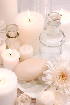 ideas bathroom spa ideas soaps for 2019 Candle Lanterns, Pillar Candles, Pink Candles, Diy Savon, Candle In The Wind, Bathroom Spa, Shades Of White, Candle Making, Diy Beauty