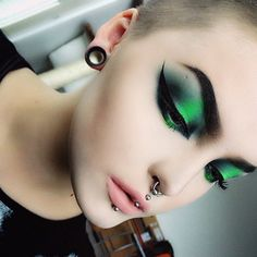 Today's look with @sugarpill Cold Chemistry palette, @lunatick_cosmetic_labs AlieNEON palette and @thekatvond tattoo eyeliner and Agatha lipstick