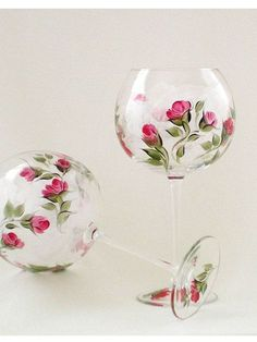 Items similar to Hand Painted Wine Glasses – Classic Deep Red Rose Buds, Spring Green Leaves – Set of 4 – Nonlead Italian CRYSTAL Custom Order OK on Etsy Banyo – home accessories Decorated Wine Glasses, Hand Painted Wine Glasses, Decorated Bottles, Painted Bottles, Wine Glass Crafts, Wine Bottle Crafts, Wine Bottles, Wine Goblets, Bottle Painting