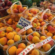 Damasco #receitaitaliana #mercado #mercato #market #italia #italy #roma #rome #comida #cibo #food #receita #receitas #recipe #ricetta #mercatotrionfale #prati #mercadotrionfale #trionfalemarket #frutas #frutta #fruit #damasco #albicocca #apricot