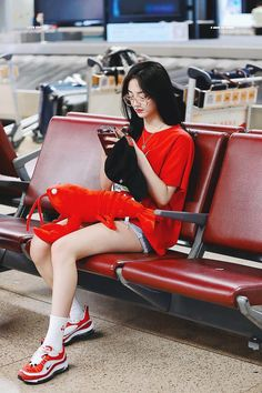 ً (@pristinzone) | Twitter Korean Girl Fashion, Fashion Idol, Kpop Fashion Outfits, Korea Fashion, Celebrity Outfits, Girly Outfits, Korean Outfits, Mode Outfits, Summer Outfits