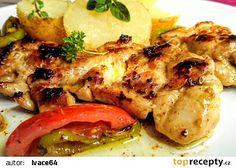 Pikantní grilovaný kuřecí steak s grilovanou zeleninou recept - TopRecepty.cz