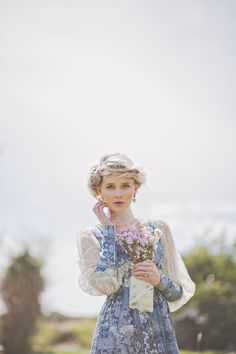 Irish gypsy inspired wedding shoot--- They are not gypsies, they are tiinkers!