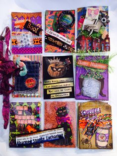 My first Halloween Pocket Letter.. love all the colors! Nine little layouts... so much fun!