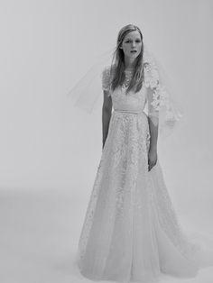 La première collection de robes de mariée d'Elie Saab Elie Saab Bridal 27