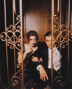 A gallery of Titanic publicity stills and other photos. Featuring Kate Winslet, Leonardo DiCaprio, James Cameron, Billy Zane and others. Leonardo Dicaprio Titanic, Young Leonardo Dicaprio, Film Titanic, Kate Titanic, Rms Titanic, Kate Winslet And Leonardo, Leonard Dicaprio, Leo And Kate, Jack Dawson