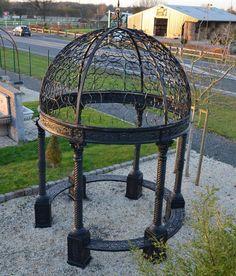 voli re de jardin en fer forg hauteur 200 cm du toit fer forg et jardins ext rieurs. Black Bedroom Furniture Sets. Home Design Ideas