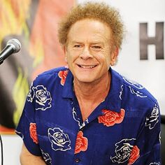 Art Garfunkel - 12 Celebrities with Psoriasis - Health.com