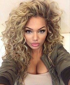 In the world of hair, there are many hairstyles that can be worn by a wide variety of hair types. Those who have long, curly hair can really try out some interesting styles with their beautiful loc… African Hairstyles, Pretty Hairstyles, Hairstyles 2018, Celebrity Hairstyles, Summer Hairstyles, Curly Medium Hairstyles, Braided Hairstyles, Perm Hairstyles, Wedding Hairstyles