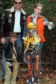 Coolest Homemade Family Costume 1980′s Movie Characters... This website is the Pinterest of costumes