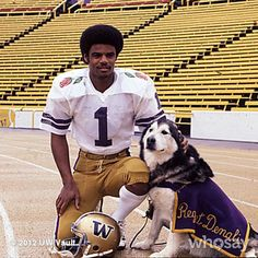 "Gotta love this photo of the great Warren Moon with Husky Mascot, ""Regent Denali""."