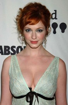 46 Photos Of Christina Hendricks with her Plush Pleasurable Pillows of Passion In Honor Of National Cleavage Day Beautiful Christina, Beautiful Redhead, Beautiful Celebrities, Beautiful Actresses, Beautiful Women, Stunningly Beautiful, Christina Hendricks Bikini, Cristina Hendrix, Redheads