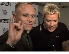 """Keith Flint Argentina 🔥🐜🇦🇷 on Instagram: """"I can't help missing you so much . Missing knowing you were alive and fine. I wish i could back in time ..if only you knew how much loved…"""" If Only You Knew, Missing You So Much, Back In Time, Electronic Music, I Cant, Miss You, Good Music, Knowing You, Indie"""