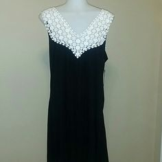 KENNETH COLE DRESS Gorgeous eyelet top dress, rayon fabric in black, awesome comfort and at the same time very stylish Kenneth Cole Reaction Dresses