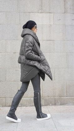 NEW Winter Extra Warm Asymmetric Extravagant Grey Hooded Coat / Waterproof Windproof Quilted with Side Pockets by Aakasha Shop By Outfit, Grey Fashion, Winter Fashion, Leggings, Down Coat, Quilted Jacket, Winter Coat, Trendy Outfits, Body