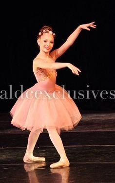 Maddie Ziegler... never seen her in pointe shoes before