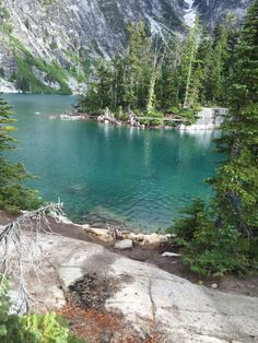 Washington Lakes, Washington State, Places To Travel, Places To See, Travel Destinations, Glacier Lake, Evergreen State, Hiking Spots, Weekend Trips